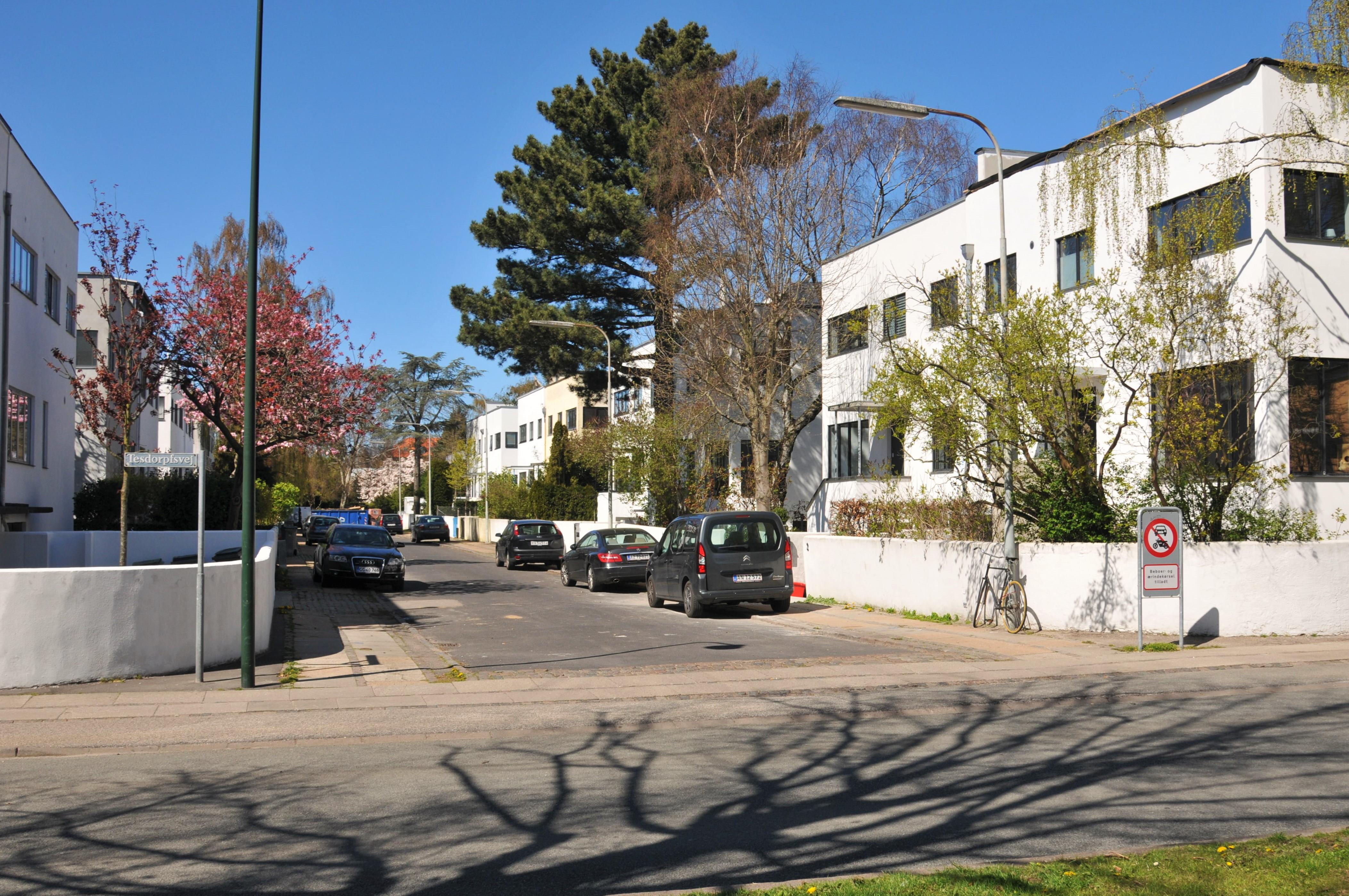 Moderne bygninger på Frederiksberg - Funkishusene på Emanuel Olsens Vej